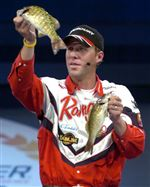 Bassmaster-leader-catches-no-fish-2nd-day