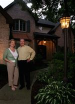 Landscape-aglow-Many-homeowners-find-creative-ways-to-illuminate-their-homes-and-gardens