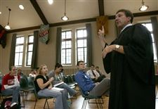 Judge-brings-lessons-of-law-to-Heidelberg-s-great-hall