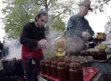 Apple-butter-is-hot-commodity-in-Grand-Rapids