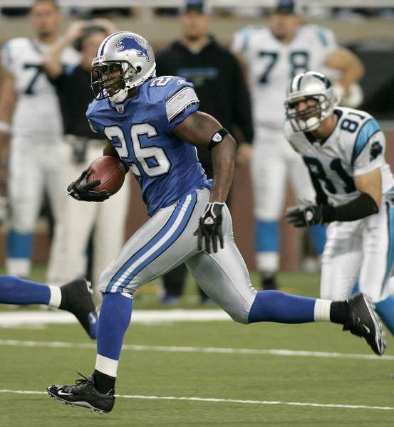 Lions-notebook-Kennedy-has-a-great-day-until-final-hit-on-Delhomme