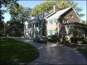 Talk about Katie Holmes and Tom Cruise buying a house in Ottawa