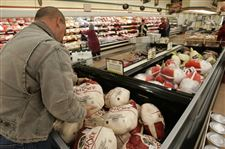 Retailers-hold-turkey-prices-low