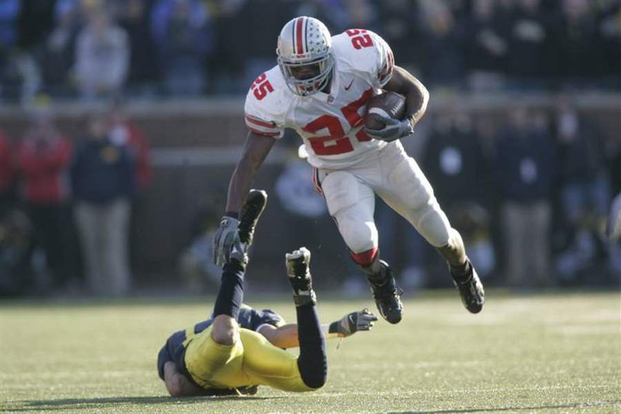 Great-script-Fourth-quarter-marches-help-Buckeyes-share-Big-Ten-title-2