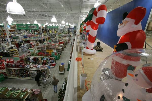 Local Outdoor Decorators Go Snow Global For The Holidays
