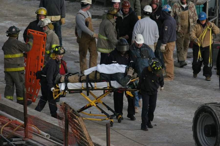 2-worker-injuries-at-site-of-04-deaths-rattle-nerves-3