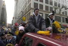 Steelers-fans-pack-downtown-Pittsburgh-for-victory-parade