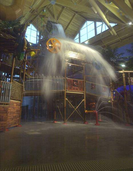 4th-indoor-water-park-resort-may-be-on-tap-2