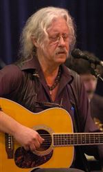 Arlo-Guthrie-turns-any-song-he-likes-into-his-own