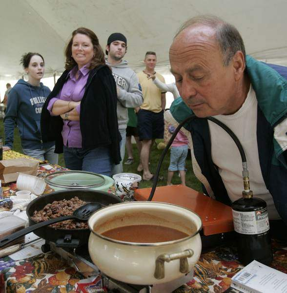 Haute-Chili-Cooks-gathered-in-Port-Clinton-for-Chili-Society-Cook-offs-2