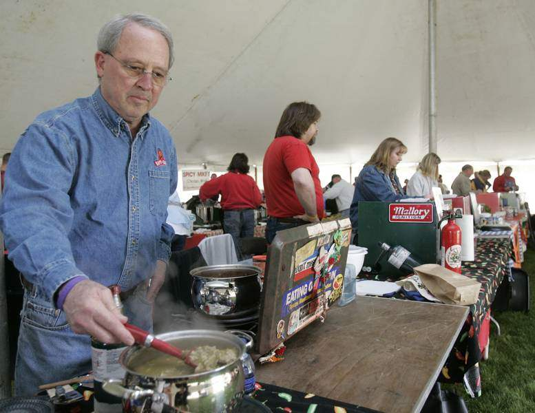 Haute-Chili-Cooks-gathered-in-Port-Clinton-for-Chili-Society-Cook-offs-3