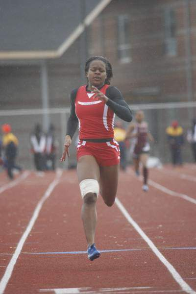 Bowsher-s-girls-hold-onto-crown