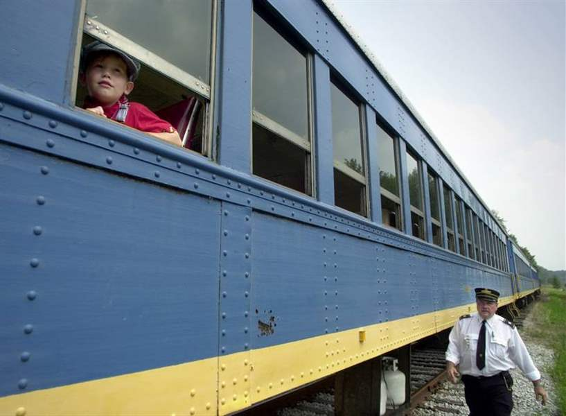 Train-tours-treat-guests-to-a-mix-of-sightseeing-and-entertainment