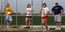 Sidelines-Woodmore-s-Pendletons-toss-away-challengers-in-discus-2