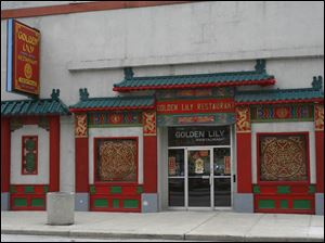 The Golden Lily serves Chinese and American food.