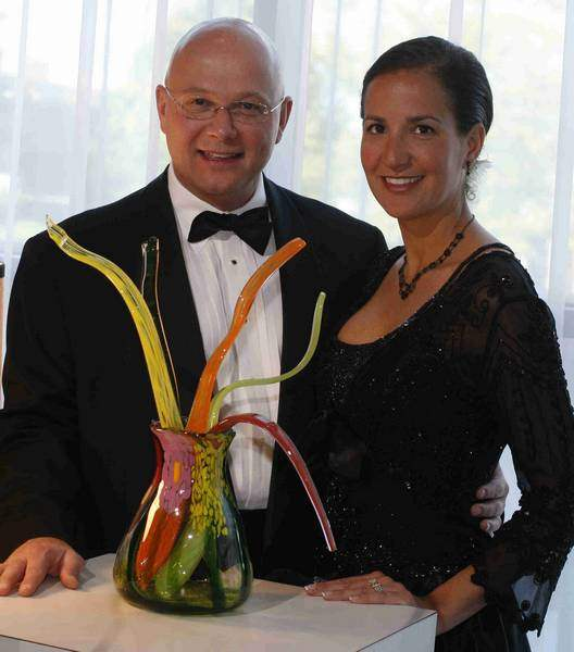 Elegant-fund-raisers-featured-feasts-art-and-auctions-2
