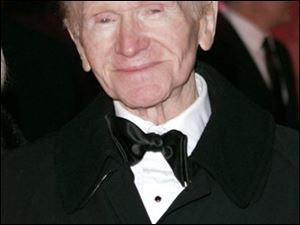 Red Buttons attended the NBC Universal/Focus Features party after the 63rd annual Golden Globe Awards in January.