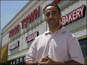 Sam Jabro strives to preserve the feel of the original Food Town chain.