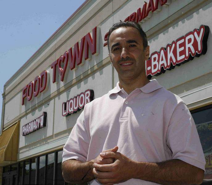 Food-Town-lives-on-in-2-stores-in-Michigan-2