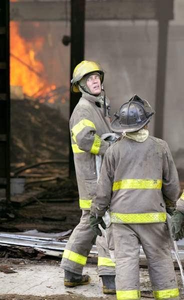 2-alarm-blaze-destroys-warehouse-at-Bancroft-and-Auburn-2