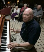 Piano-Man-whisks-fans-to-another-era