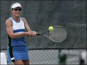 JoEllen Kaufman defeated Kelly O'Connell in women's singles, winning the last 12 games. It was the first time she competed.