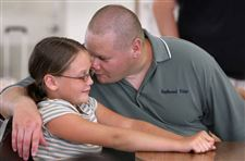 Area-Girl-Scout-program-is-unique-in-uniting-daughters-with-jailed-dads-2
