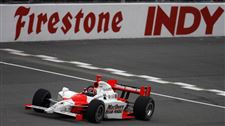 Castroneves-cruises-3