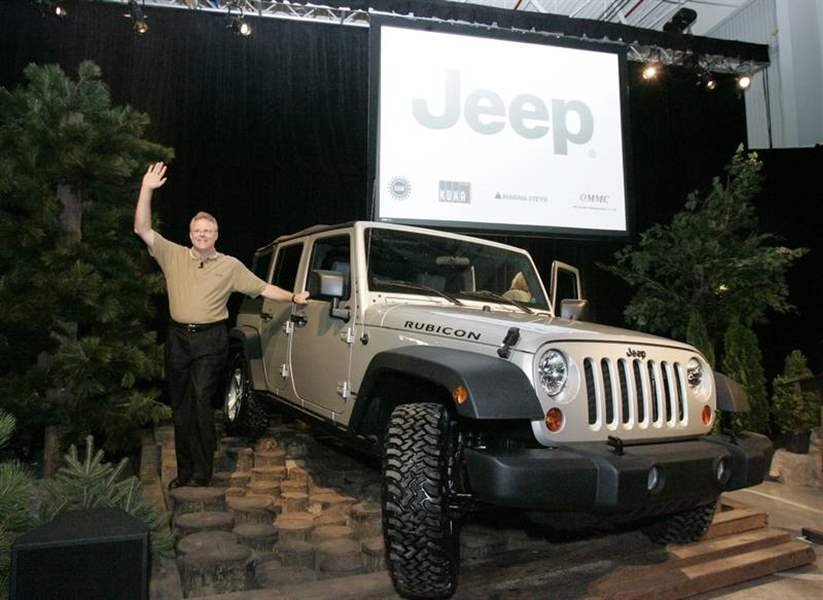 Public-gets-peek-at-new-plant-for-Jeep-Wrangler-2