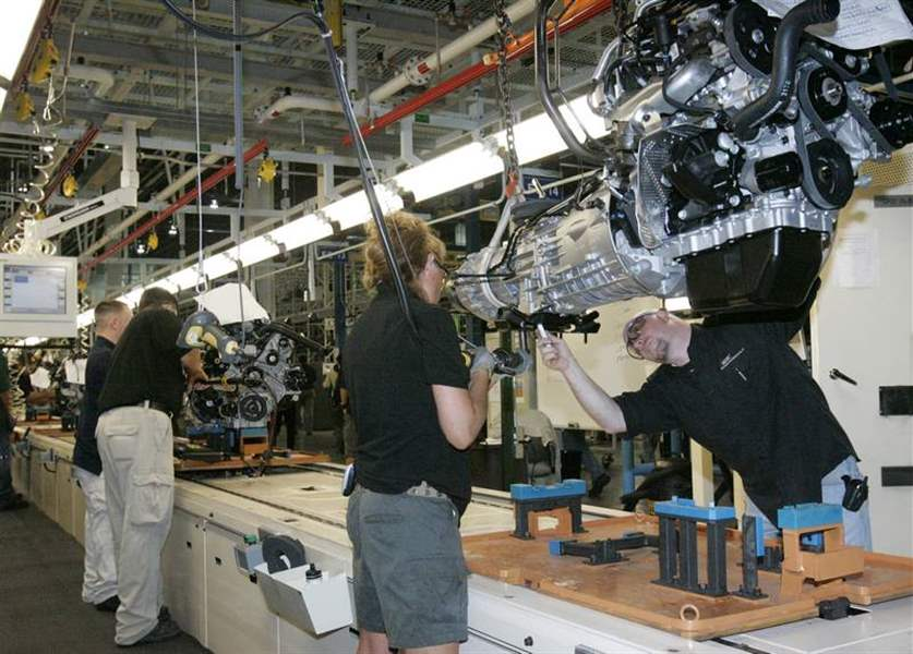 Public-gets-peek-at-new-plant-for-Jeep-Wrangler-4