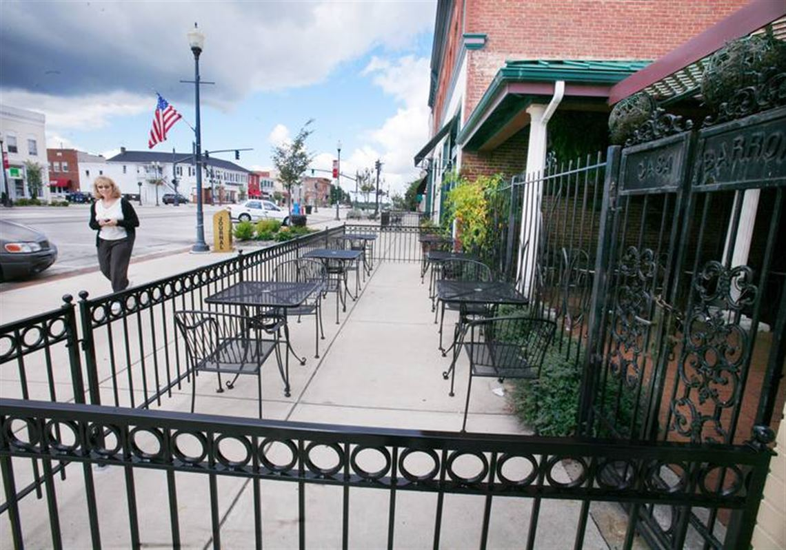 City Eaterys Fence Lease No Barrier To Either Side Toledo Blade