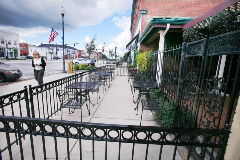 Restaurant patio barriers  Restaurant Patio Barriers   rheumri.com
