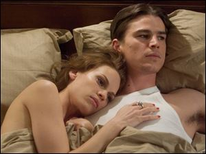 Hilary Swank and Josh Hartnett in The Black Dahlia.