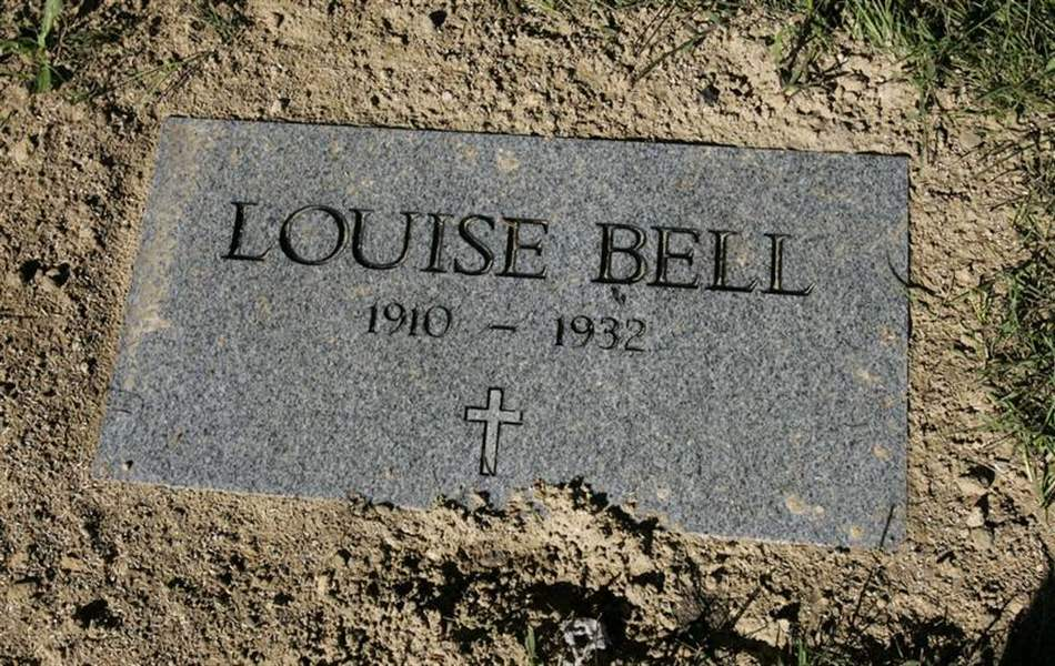 Stone-marks-grave-of-woman-who-took-bootlegger-s-bullet-3