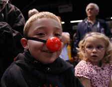 CLOWNING-AT-THE-CIRCUS