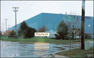 Plastech plants in Bryan and in Napoleon are to close by year's end.