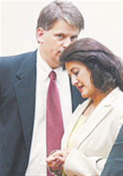 Wife-of-Noe-dangled-tape-of-04-roast-2-top-Democrats-spoke-with-her-attorney