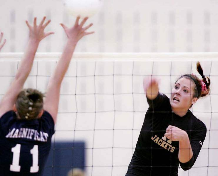 Arrows-Jackets-advance-in-state-volleyball-3