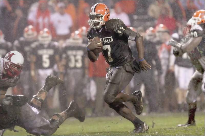 Bowling-Green-kicks-a-dud-in-the-mud-against-Miami.jpg