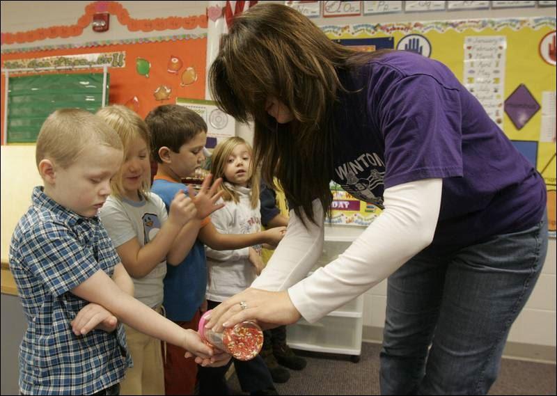 dating kindergarten teacher Explore val whitlock's board parent night kindergarten on ideas about dating would say kindergarten on it as i plan to be a kindergarten teacher :.