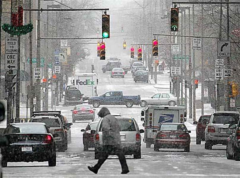 Toledo-area-bundles-up-for-a-blast-of-winter