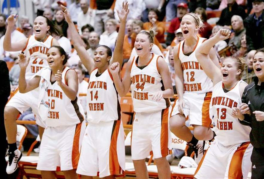 Falcons-fly-high-as-BG-blasts-Indiana-at-Anderson