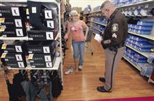 Sylvania-Township-police-take-children-on-a-shopping-spree-2