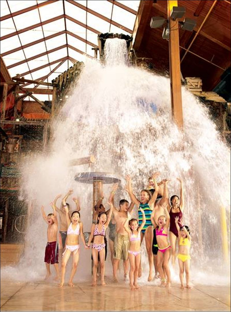 at Great Wolf Lodge, near Cincinnati, dumps 1,000 gallons of water