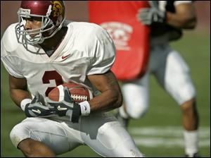 USC's Steve Smith is lauded for his discipline in executing pass routes.