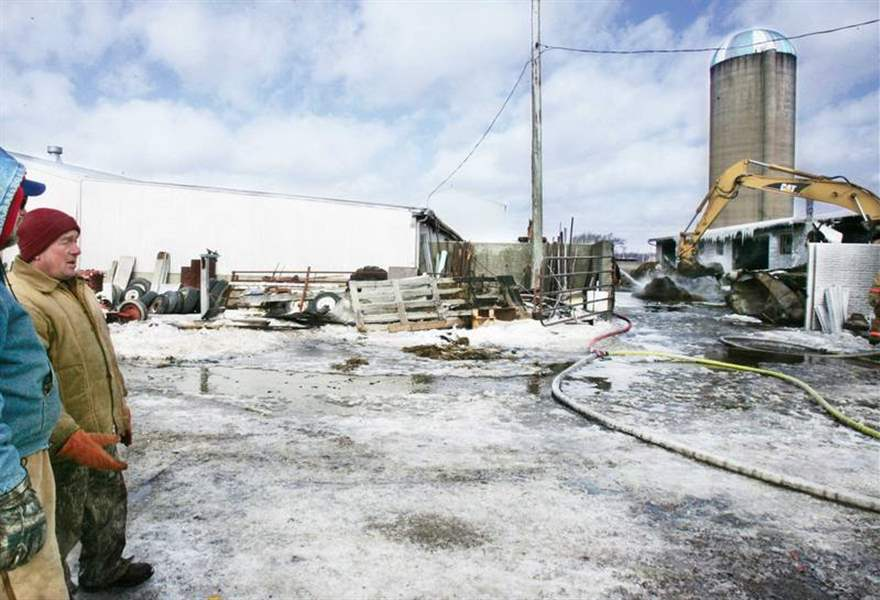 Dairy-barn-and-up-to-40-calves-are-lost-in-blaze-near-Sandusky