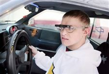 Blindness-no-hurdle-for-teenage-driver