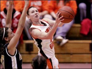 Kate Achter takes it inside for BGSU.