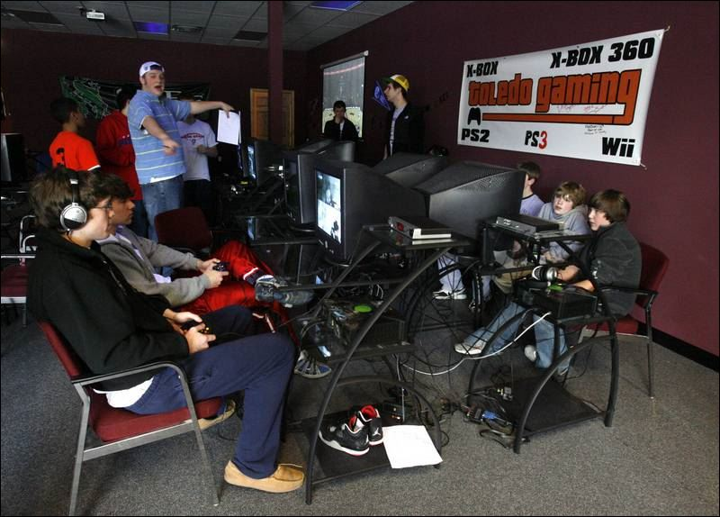 Halo 2 LAN party last Friday. Still holds up so well : gaming