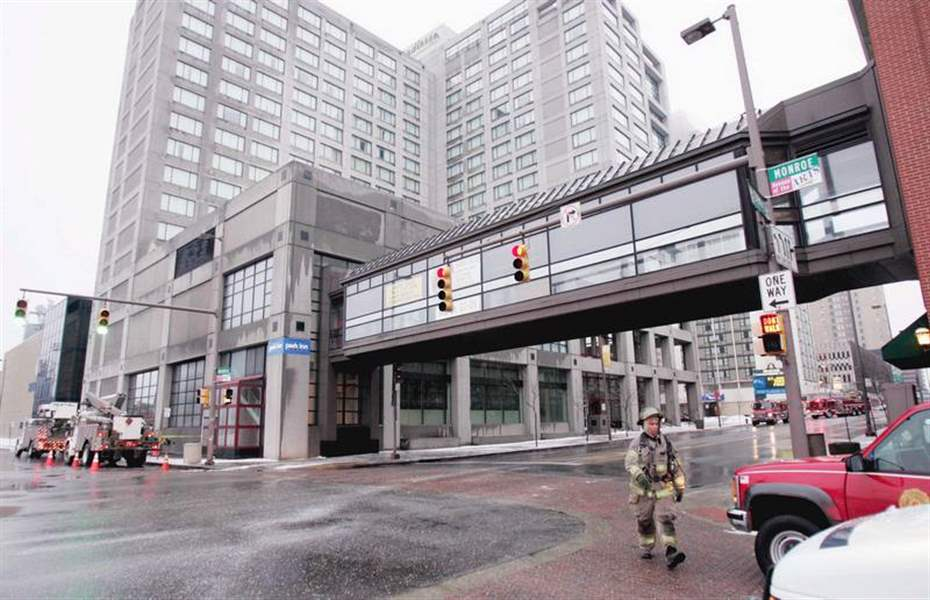 Blaze-forces-evacuation-from-a-downtown-hotel-2